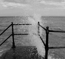 Kingsdown - Waves 1 by rsangsterkelly