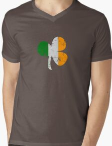 Vintage Irish Flag Clover St Patricks Day Mens V-Neck T-Shirt