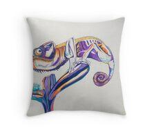leon le chameleon  Throw Pillow