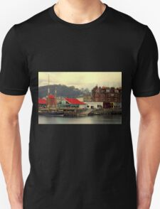 Sail boat in Oban Harbour Unisex T-Shirt