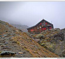 rifugio ottorino mezzalama  by kippis