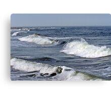 Braking Waves Canvas Print