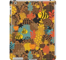 The bee. iPad Case/Skin