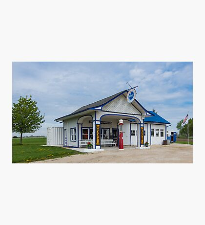 A restored Standard Oil gas station on Route 66 in Odell, Il Photographic Print