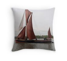 Sailing Barge 'Repertor'. Throw Pillow