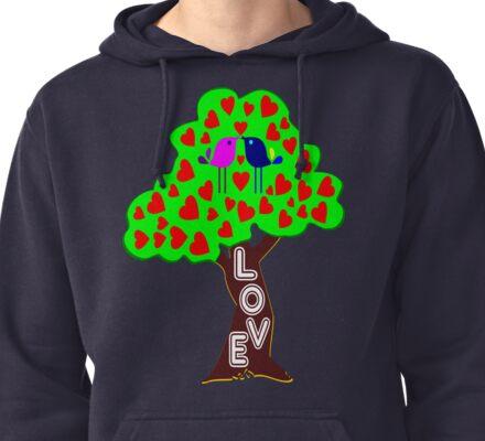 °•Ƹ̵̡Ӝ̵̨̄Ʒ♥Romantic Lovebirds Kissing on a Love-Tree Clothing & Stickers♥Ƹ̵̡Ӝ̵̨̄Ʒ•° Pullover Hoodie