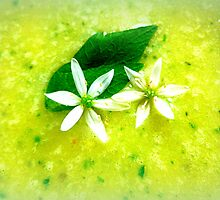 Asparagus and basil soup with wild garlic flowers by ©The Creative  Minds