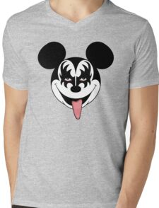 Mickey Kiss Mens V-Neck T-Shirt