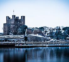 Rochester castle in the snow by snapaway78