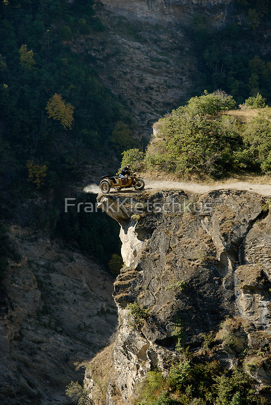 BMW R75 on the verge by Frank Kletschkus