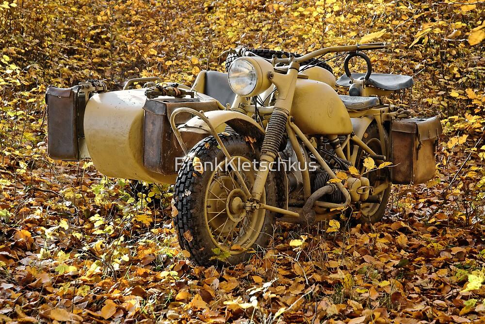 BMW R75 in autumn by Frank Kletschkus