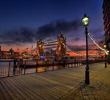 Tower Bridge ... by Pawel Tomaszewicz