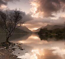 Sunrise over Llyn Padarn by Carlb40