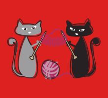 Knitting needles cats with yarn t-shirt Kids Clothes