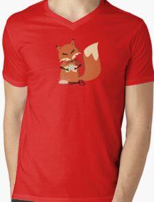Cute fox seamstress sewing thread scissors Mens V-Neck T-Shirt