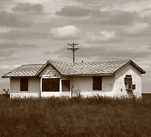 Route 66 - Abandoned Farm House by Frank Romeo
