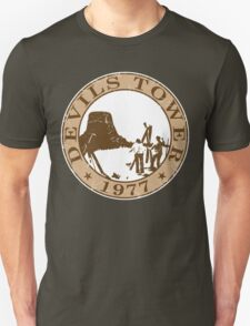 Devils Tower, 1977 (White Background) T-Shirt