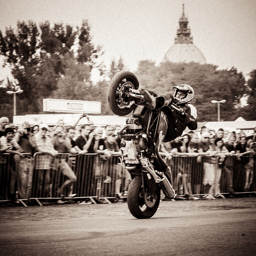 motorcycle stunt 010 by dirk hinz