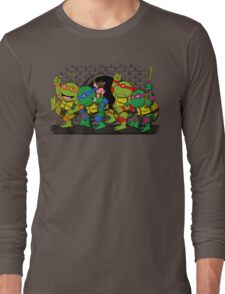 Where the wild turtles are Long Sleeve T-Shirt