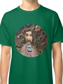 (✿◠‿◠) FACE IN MOUNTAIN OPEN MOUTH DRIVE THROUGH TEE SHIRT (✿◠‿◠) Classic T-Shirt