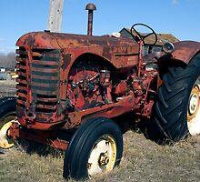 Tractor - Weyburn, Saskatchewan, Canada by mdoborski