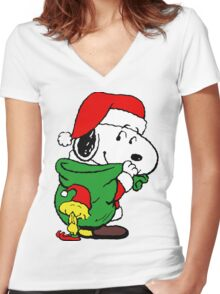 Snoopy Santa Claus Women's Fitted V-Neck T-Shirt