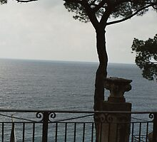 UNO SCORCIO.......il mare della Liguria- italia - Europa -  VETRINA RB EXPLORE 1 FEBBRAIO 2013 - by Guendalyn