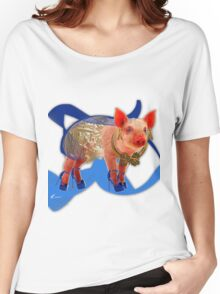 Pig ready to hit town Women's Relaxed Fit T-Shirt