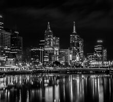 The Yarra River Melbourne at night. by Nick Griffin
