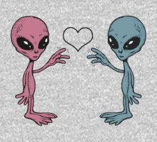 Extraterrestrial Love by skratch83