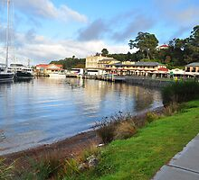The Town Of Strahan. by Terry Everson