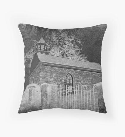 Old Dutch Reformed Church of Sleepy Hollow, New York Throw Pillow