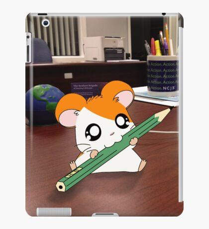 Hamtaro on my desk iPad Case/Skin