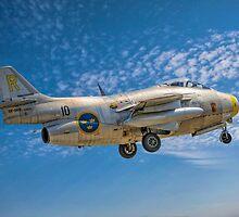 "SAAB J-29F ""Tunnan"" 29670/R SE-DXB on finals by Colin Smedley"