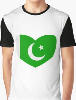 Heart Shaped Flag of Pakistan Graphic T-Shirt