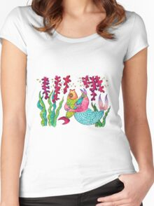 Close encounters of the weird kind: catfish Women's Fitted Scoop T-Shirt