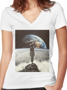 Crashing Waves Women's Fitted V-Neck T-Shirt