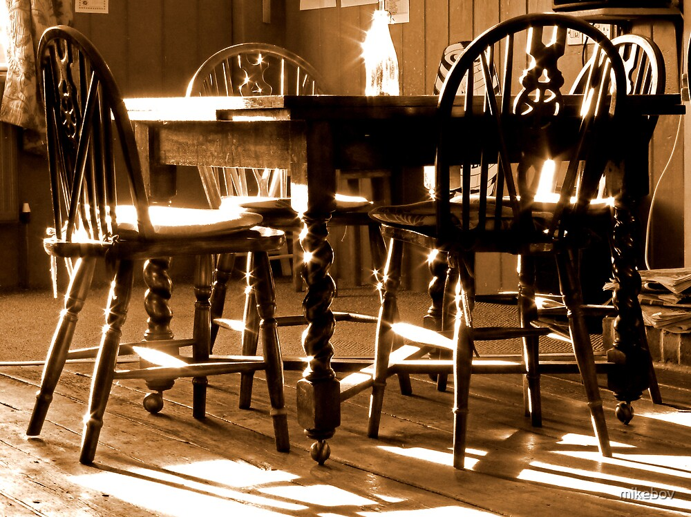 Light in the Bar by mikebov