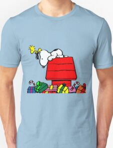 Snoopy and Gift T-Shirt