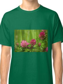 Simple beauty of red clover Classic T-Shirt