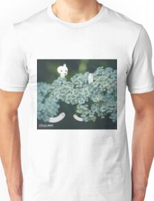 Blossom counting - Wandering forest 12 Unisex T-Shirt