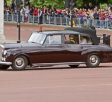 Prince Harry, Prince William & Kate arrive at Buckingham Palace by Keith Larby