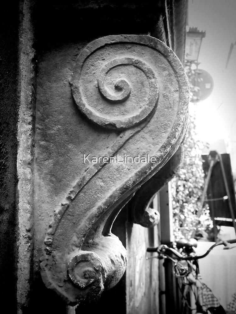Italian Scroll by KarenLindale