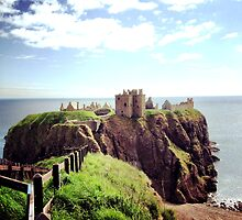 The Mighty Dunnottar by cfeng