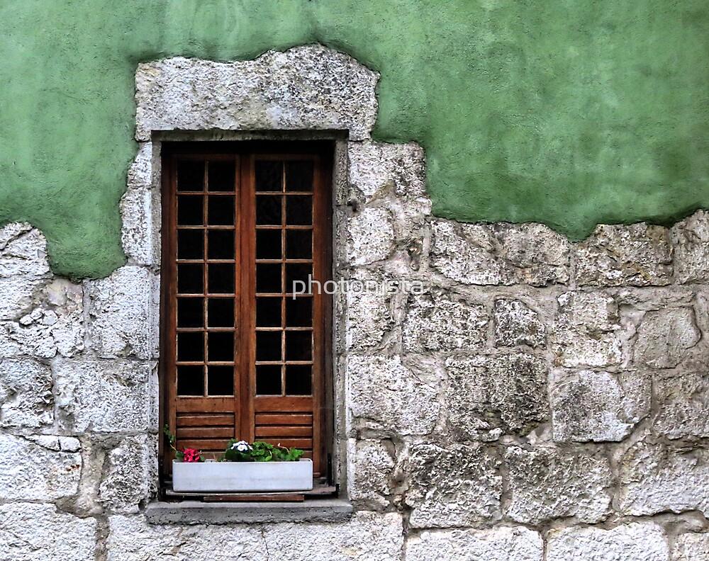 Windows 4 by photonista