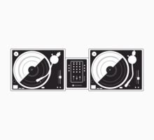 Black and White Turntables by spadesjr