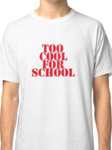 SCHOOL Classic T-Shirt