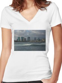 Sailing Into Honolulu, Hawaii Women's Fitted V-Neck T-Shirt