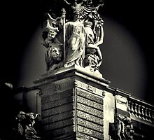 Statue at the Louvre by KarenLindale
