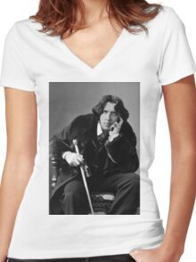 The Picture of Oscar Wilde Women's Fitted V-Neck T-Shirt